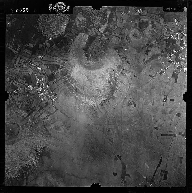 Fotografía aérea de Montaña Blanca en 1956 IV