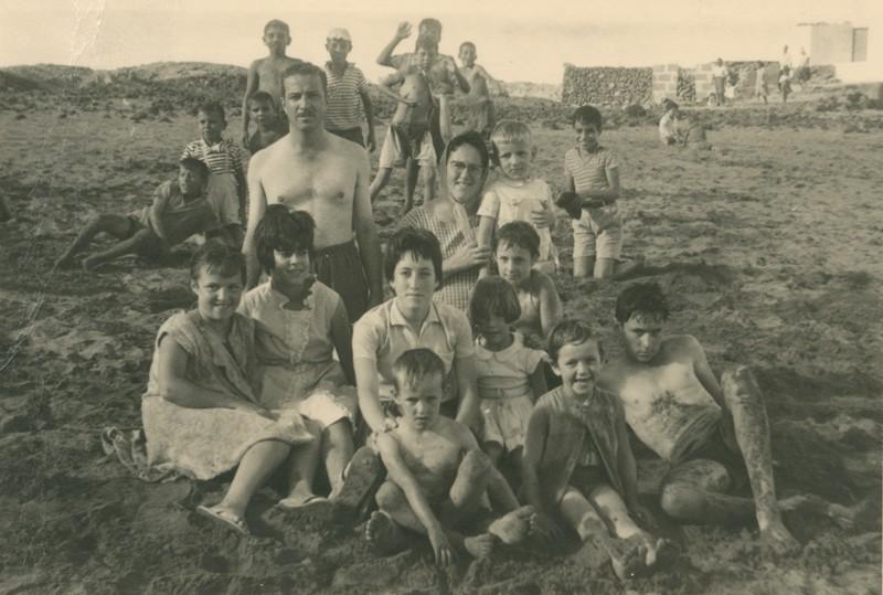 Familia Hernández Cabrera en la playa