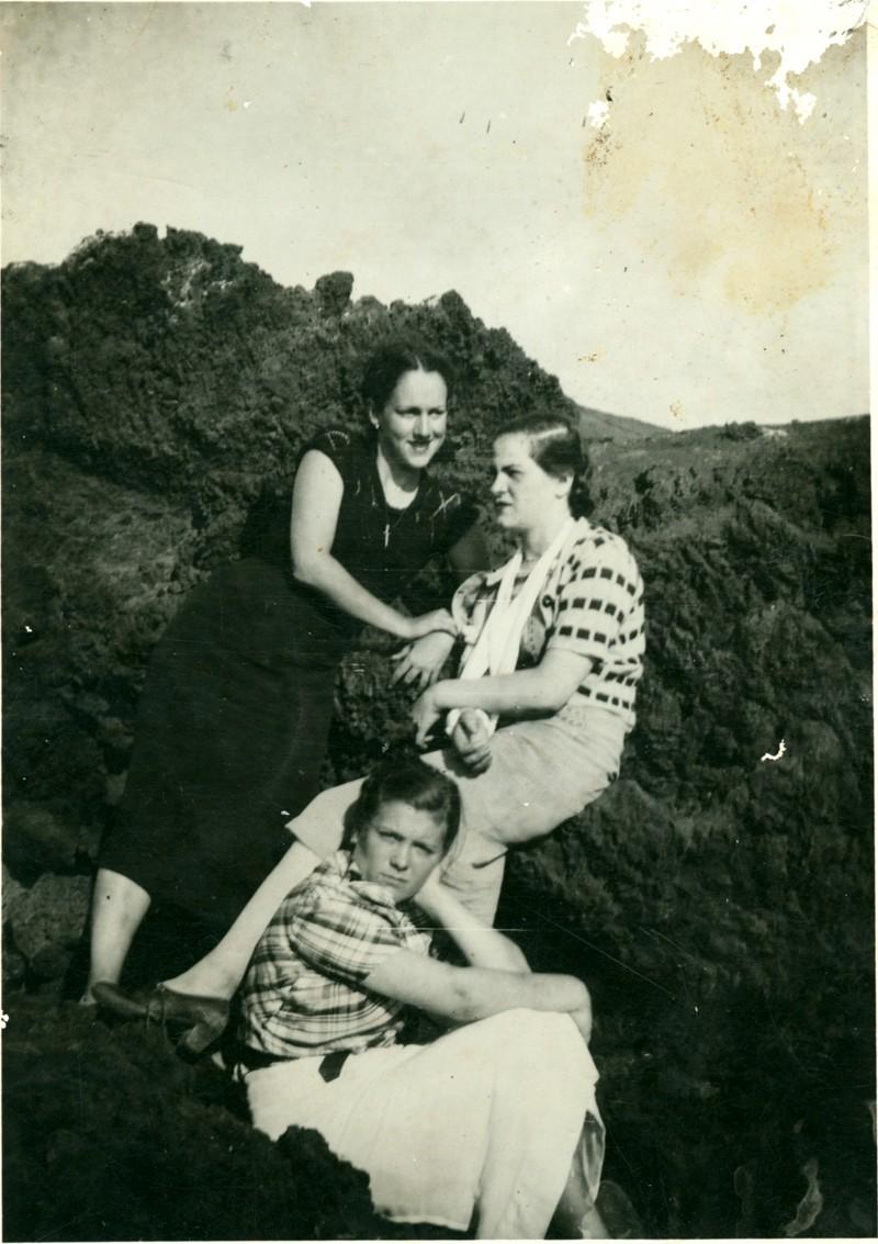 Mujeres posando