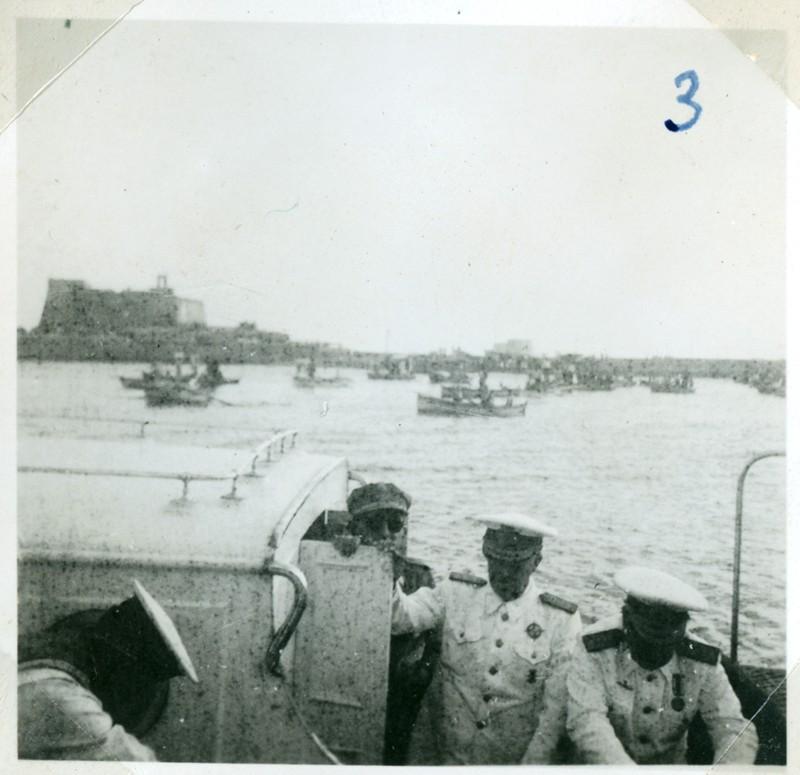 Álbum de la visita de Franco III