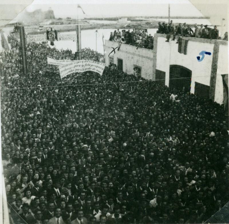 Álbum de la visita de Franco V