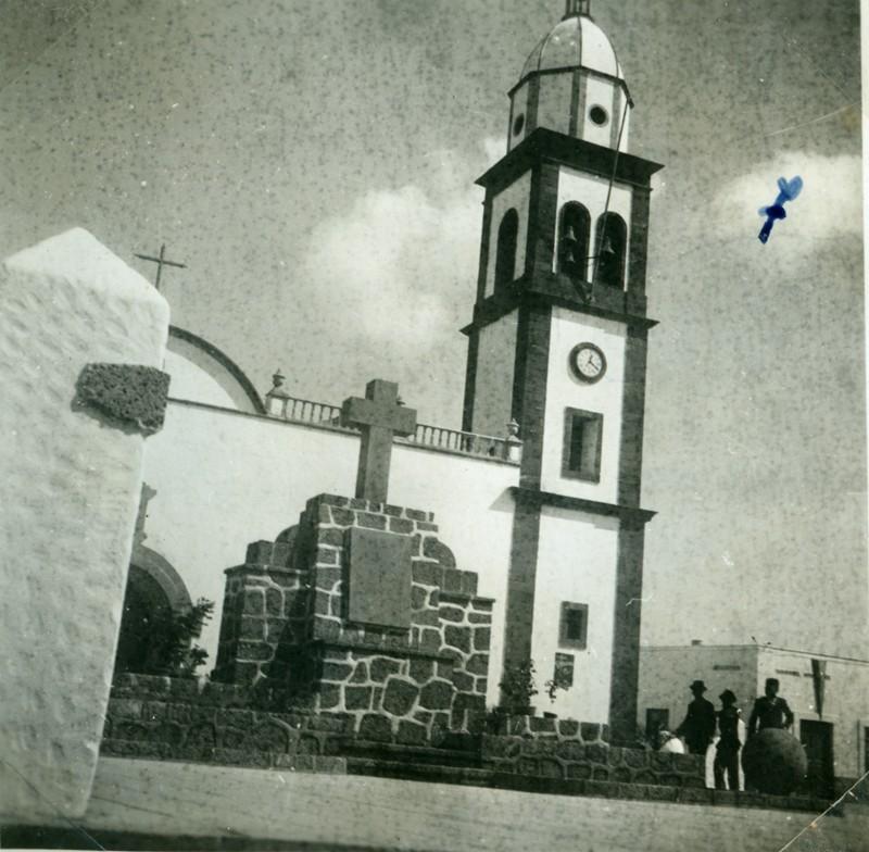 Álbum de la visita de Franco VII