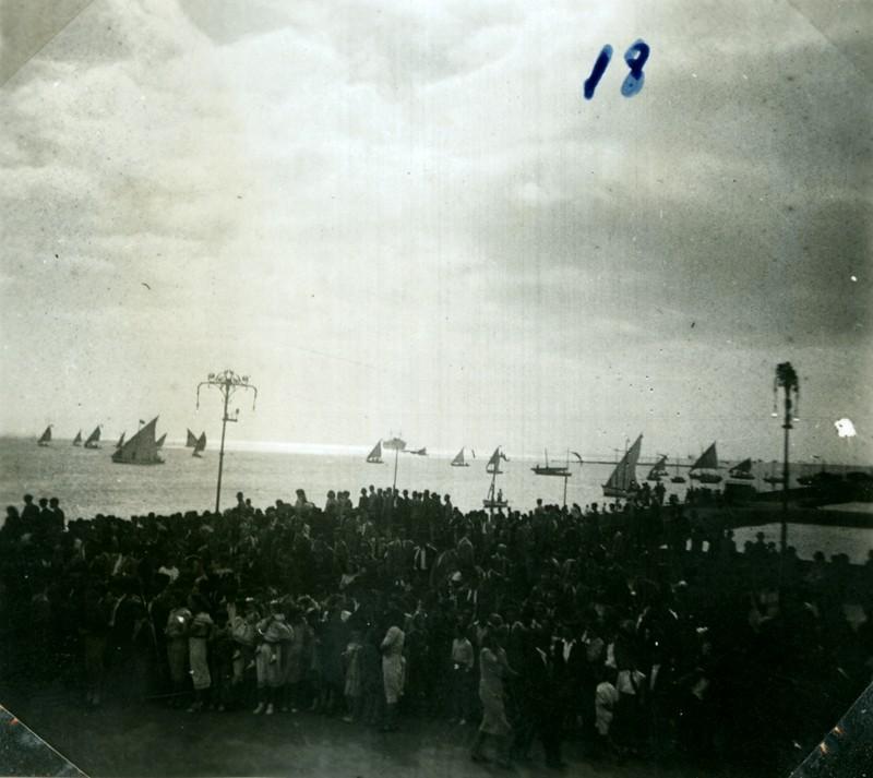 Álbum de la visita de Franco XVIII