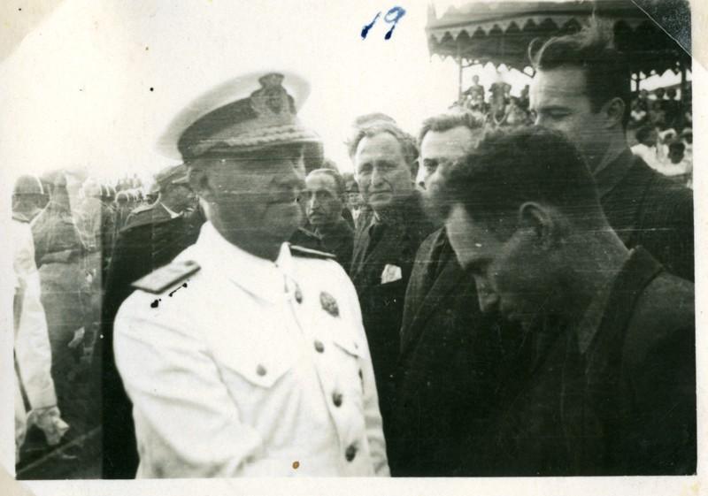 Álbum de la visita de Franco XIX
