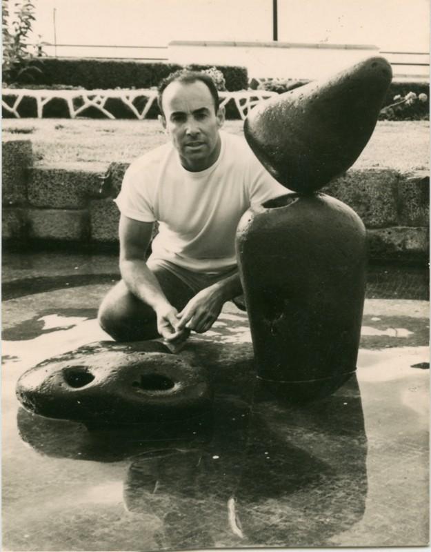César Manrique en el parque de Arrecife II