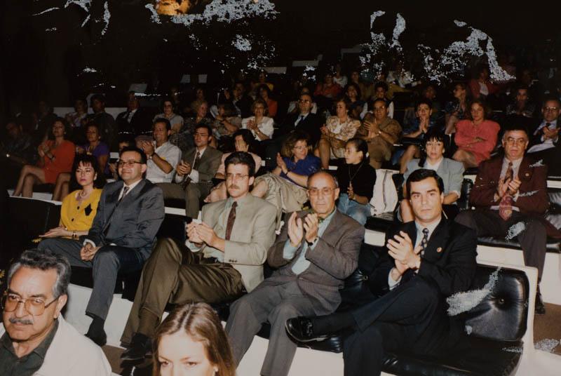 César Manrique en el Auditorio de Jameos del Agua