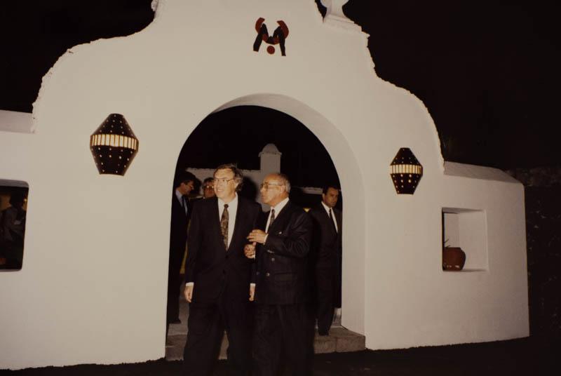 César Manrique con el Ministro de Cultura II