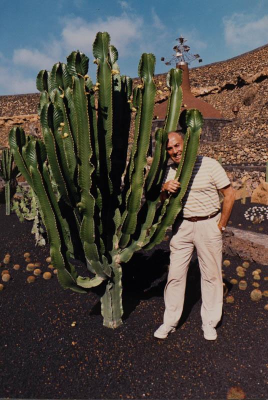Manrique en el Jardín de Cactus IV