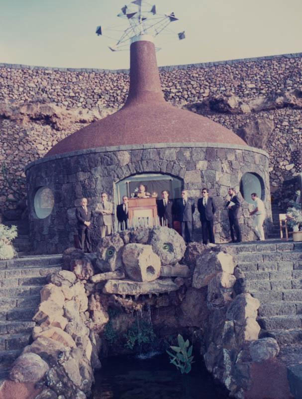 Acto de inauguración del Jardín de Cactus VIII