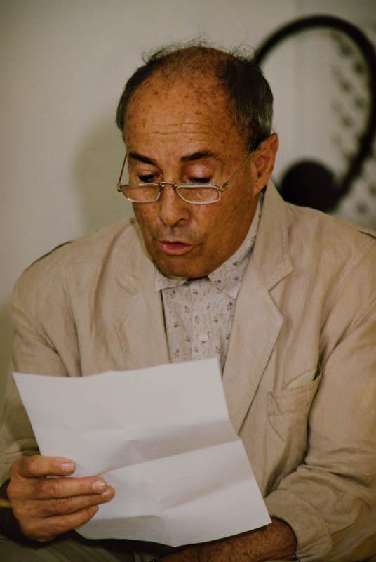 Manrique leyendo declaración II