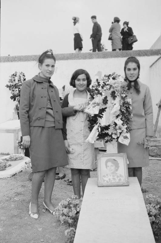 En el cementerio XX