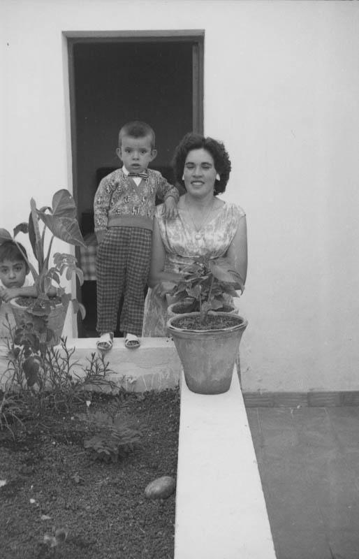 Madre e hijo de Máguez I
