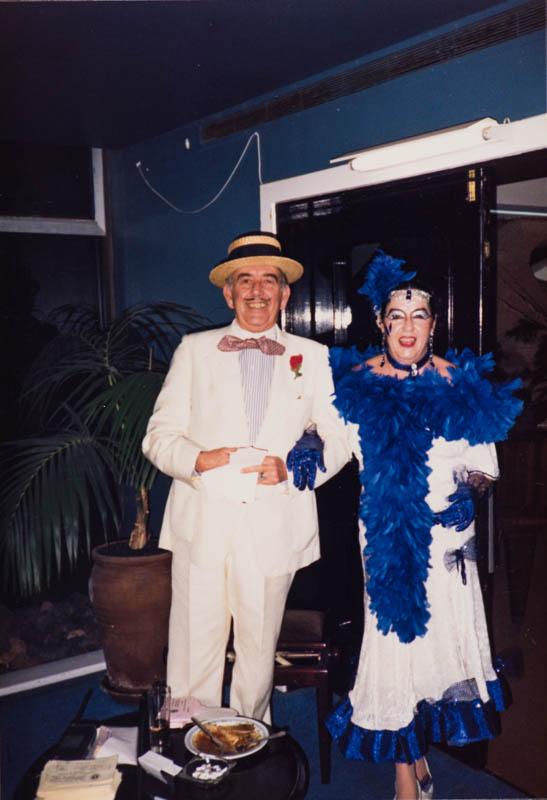 Juana Manrique y Alfredo Matallana disfrazados