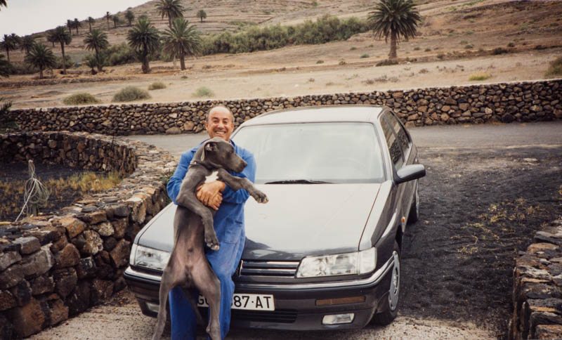 César Manrique con perro I