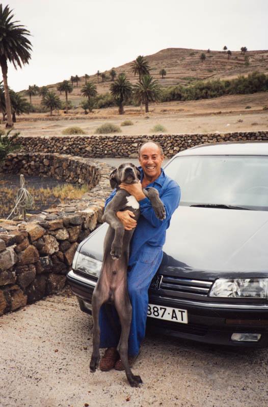 César Manrique con perro II