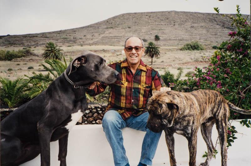 César Manrique con perro III