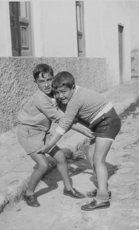 Niños jugando IV