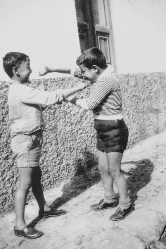 Niños jugando V