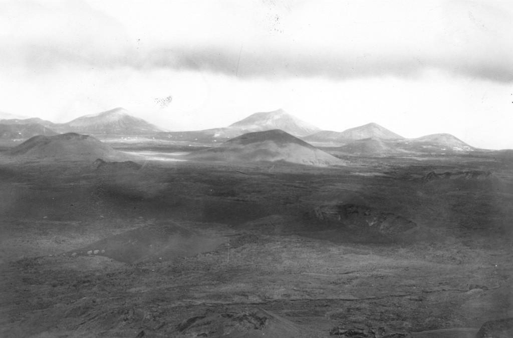 Imagen aérea de volcanes de Lanzarote