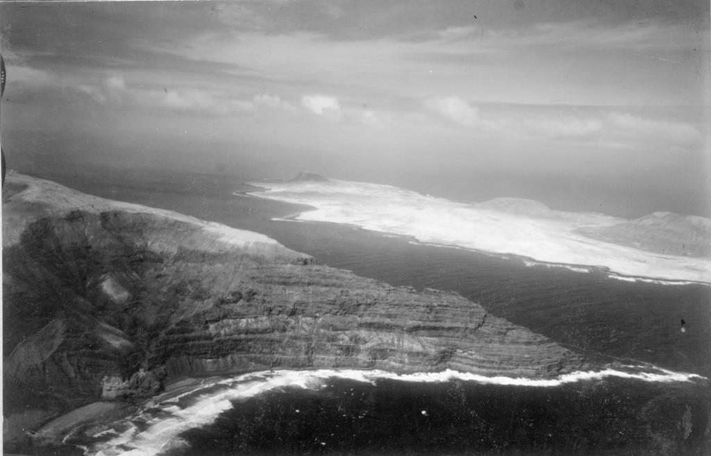 Imagen aérea de Risco de Famara y La Graciosa II