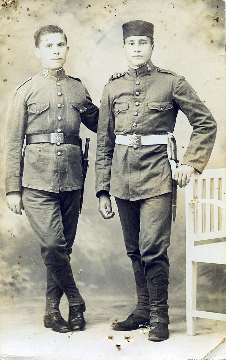 Retrato de dos soldados