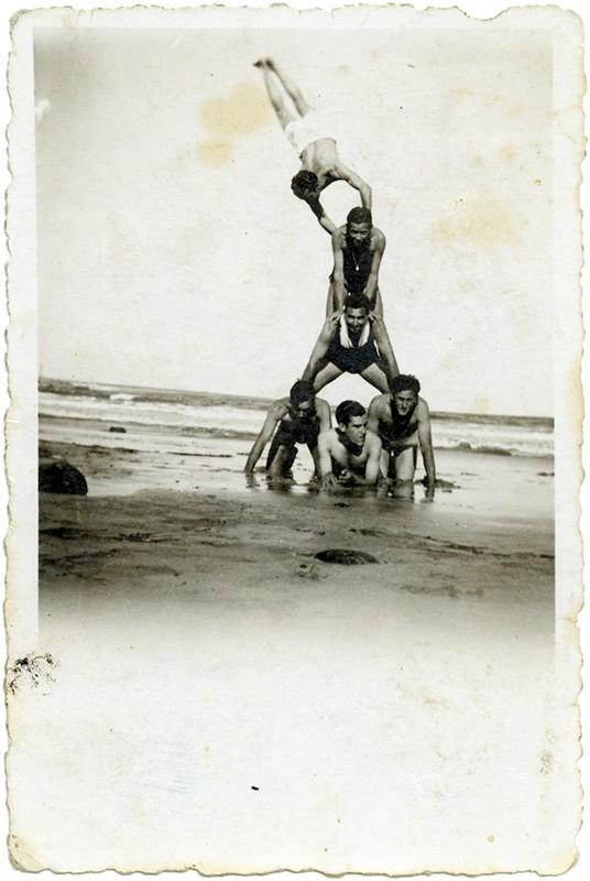 Acrobacias en la playa