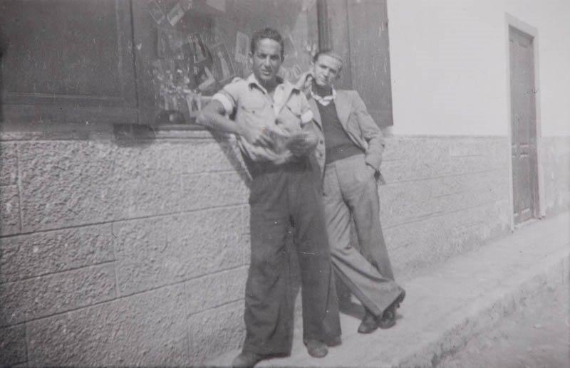 Jóvenes en una calle de Arrecife