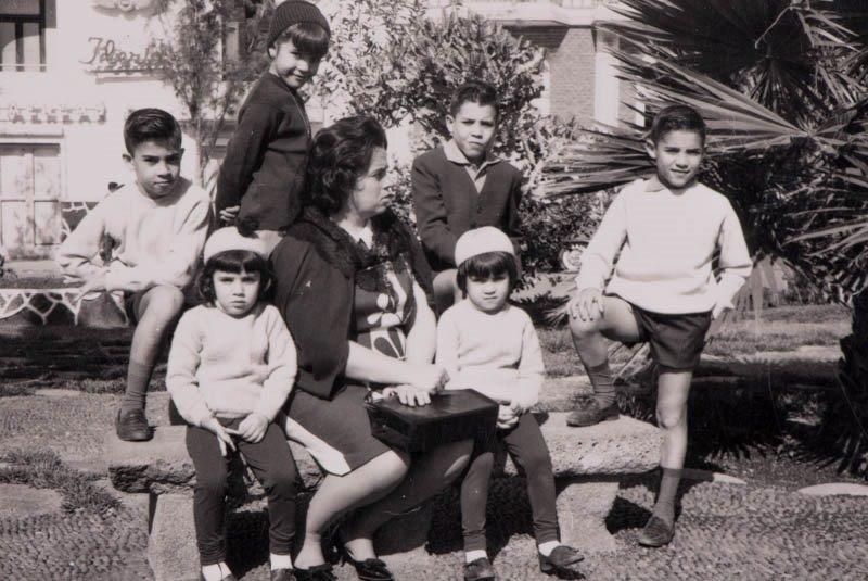 Remedios Pérez con sus hijos