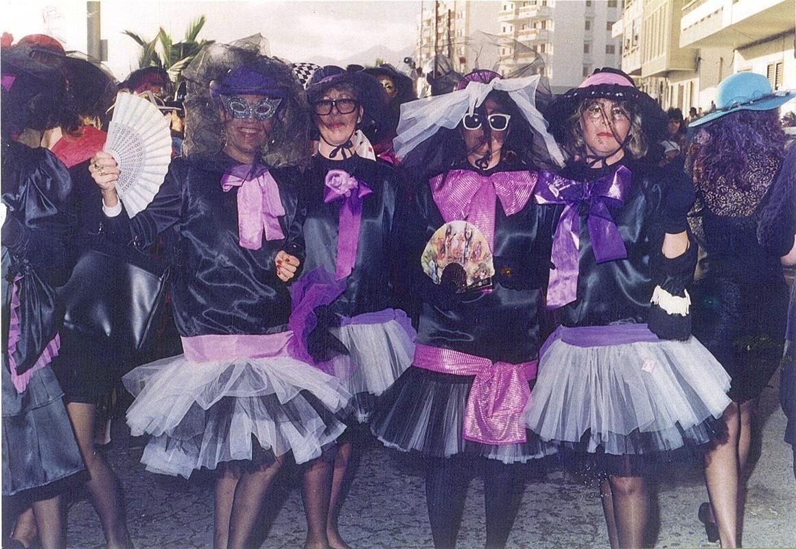 Amigas de carnaval III