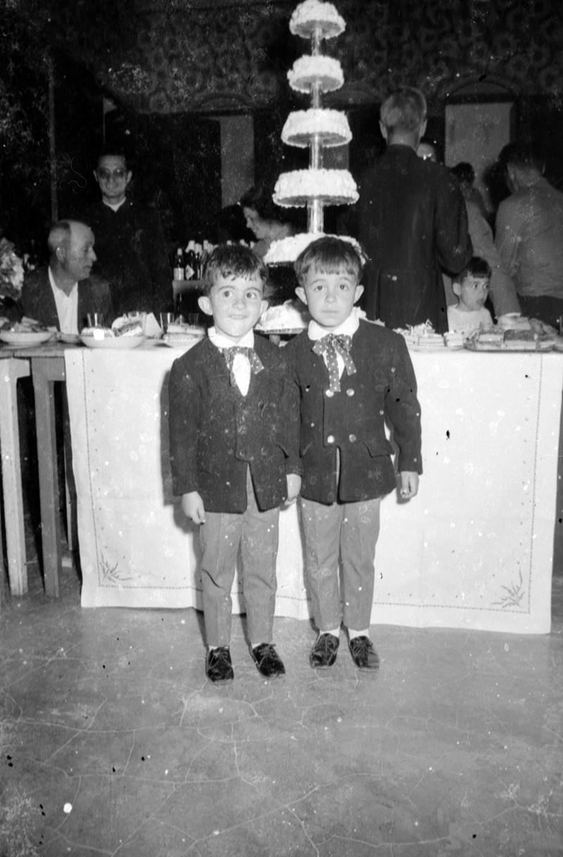 Niños en una boda en Máguez