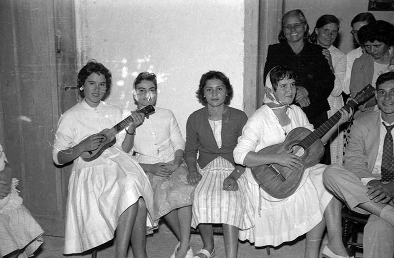 Grupo de mujeres en una boda