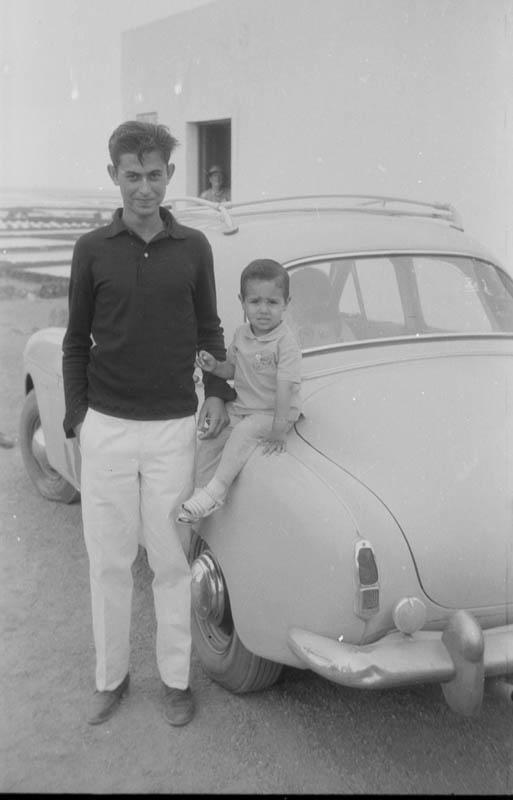 Joven y niño en Órzola