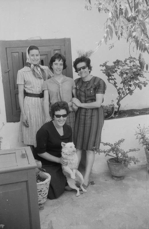 Grupo de señoritas de Máguez