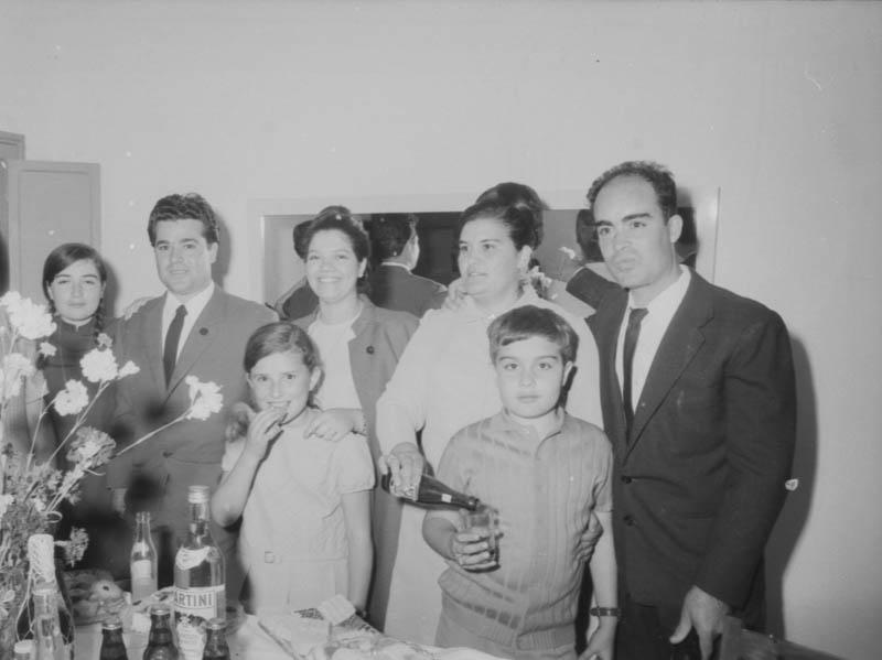 Brindis en una boda en Máguez