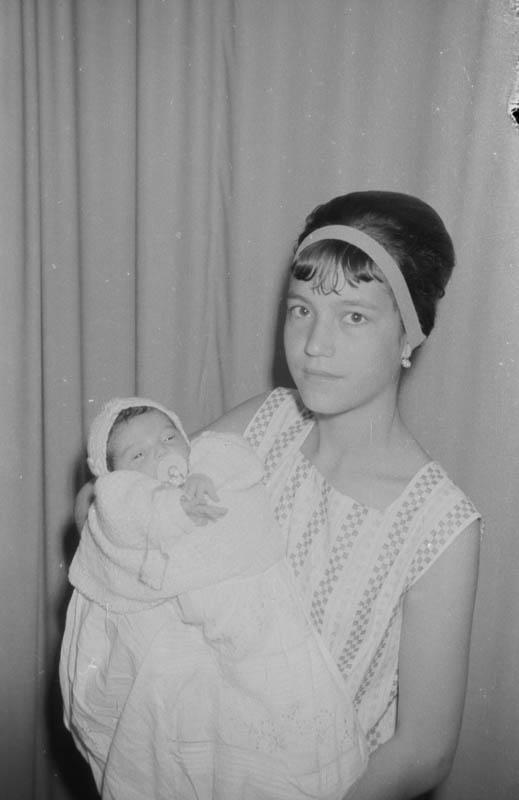 Señora con bebé