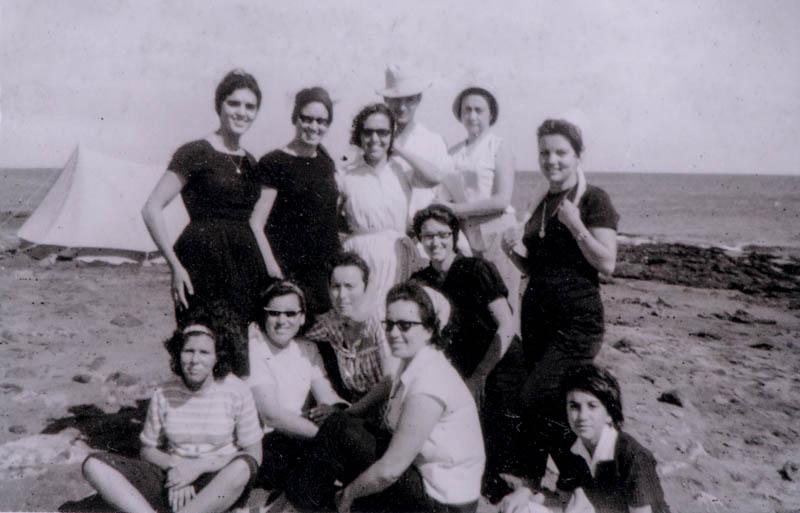 Jóvenes en Playa Honda