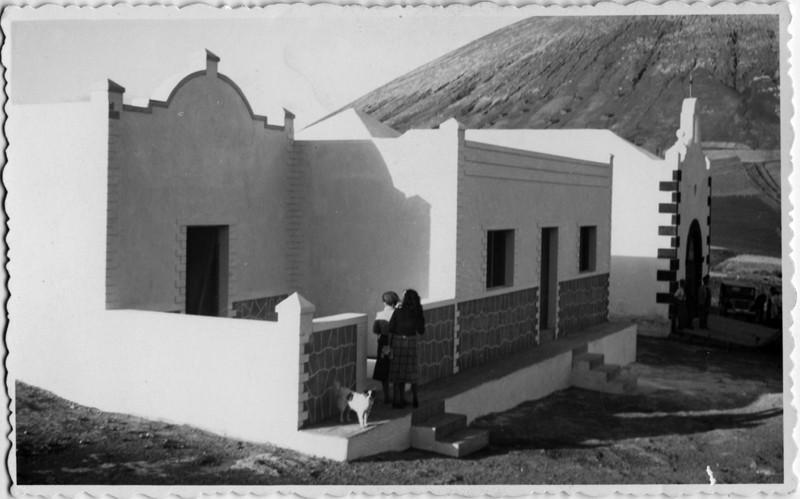 Escuela infantil y ermita
