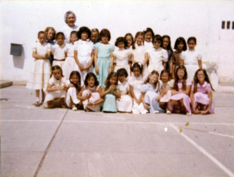 Alumnas con Mercedes Medina