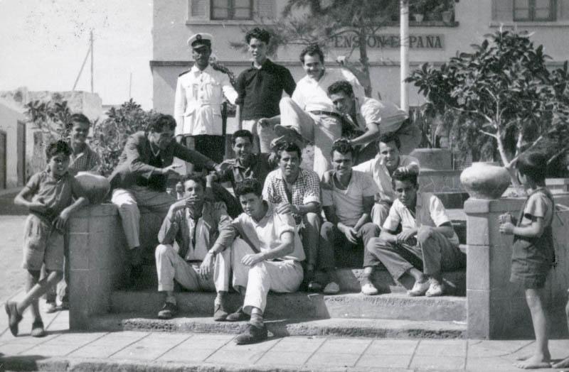 Amigos en la Plaza de España