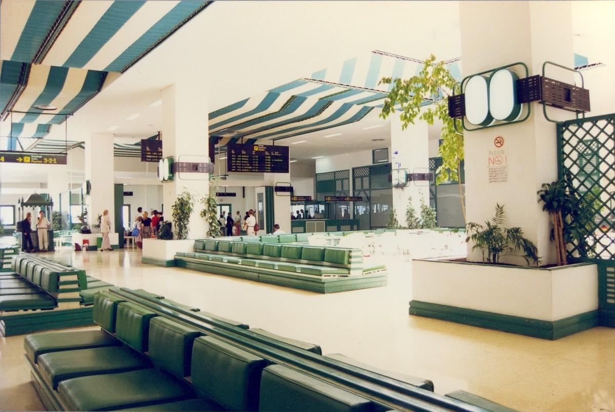 Antigua terminal del aeropuerto XXII