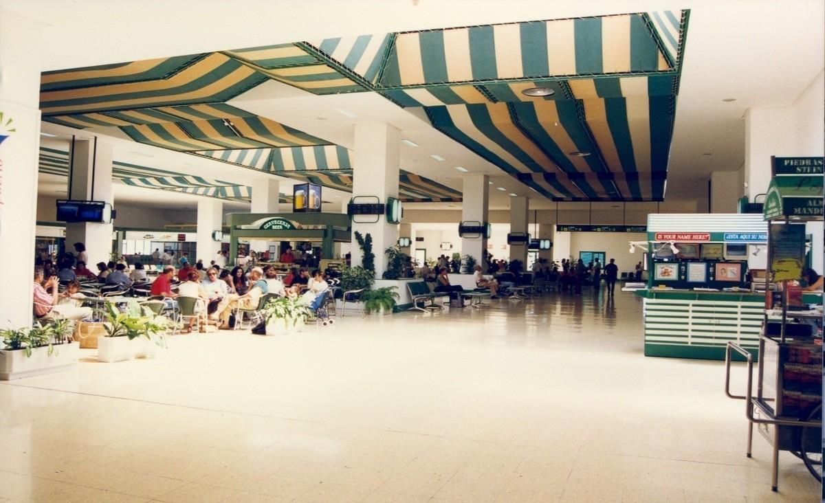 Antigua terminal del aeropuerto XXVII