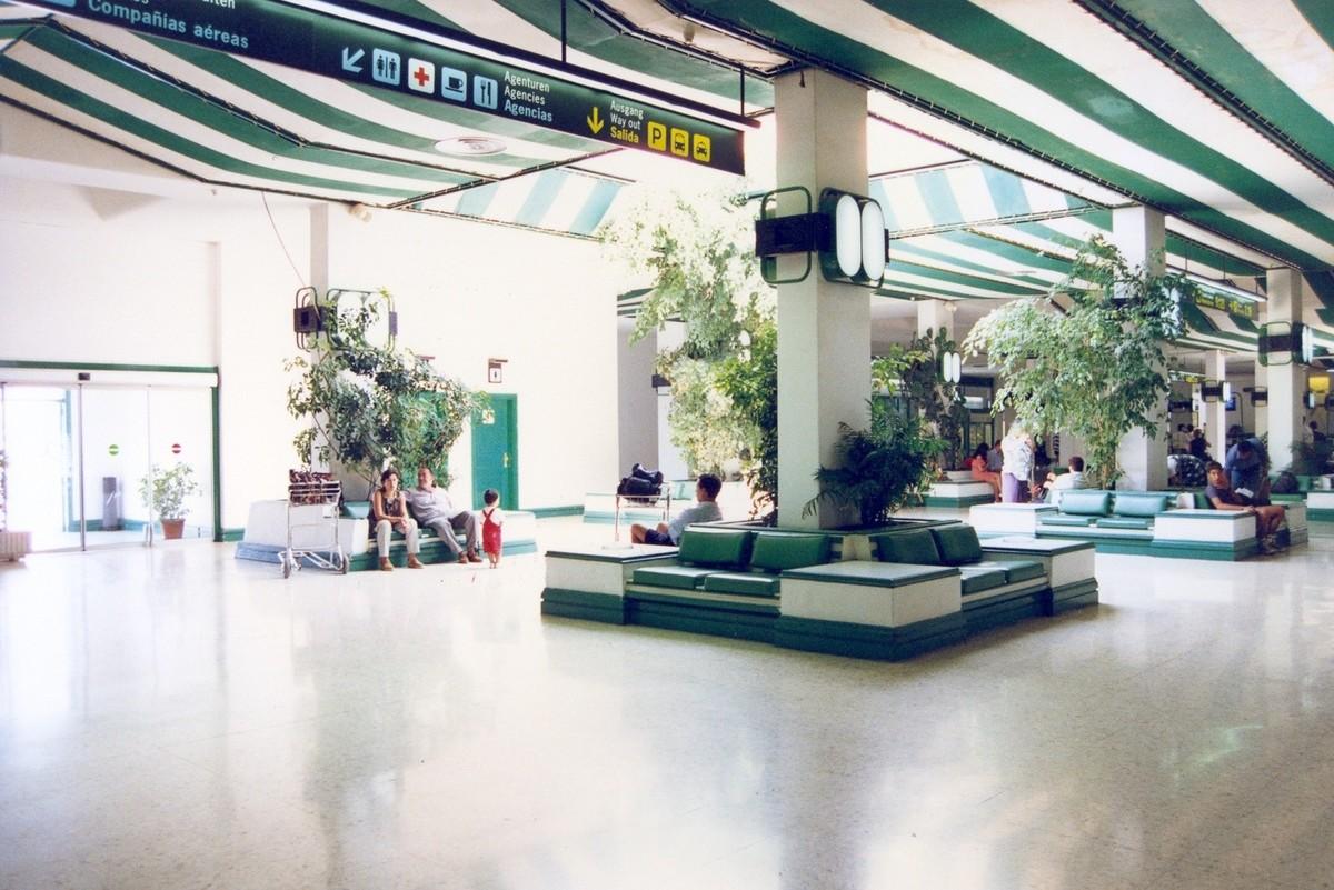 Antigua terminal del aeropuerto XXVIII