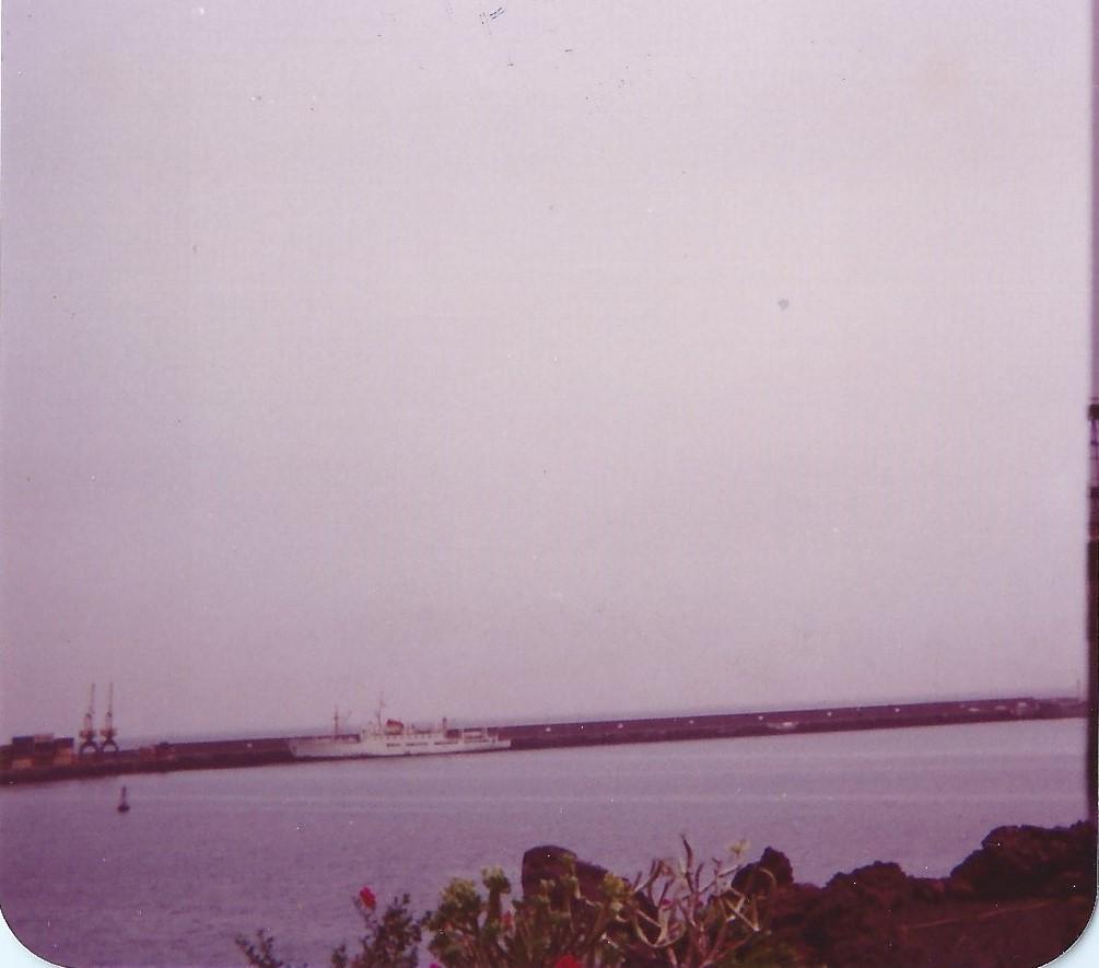 Barco en Los Mármoles